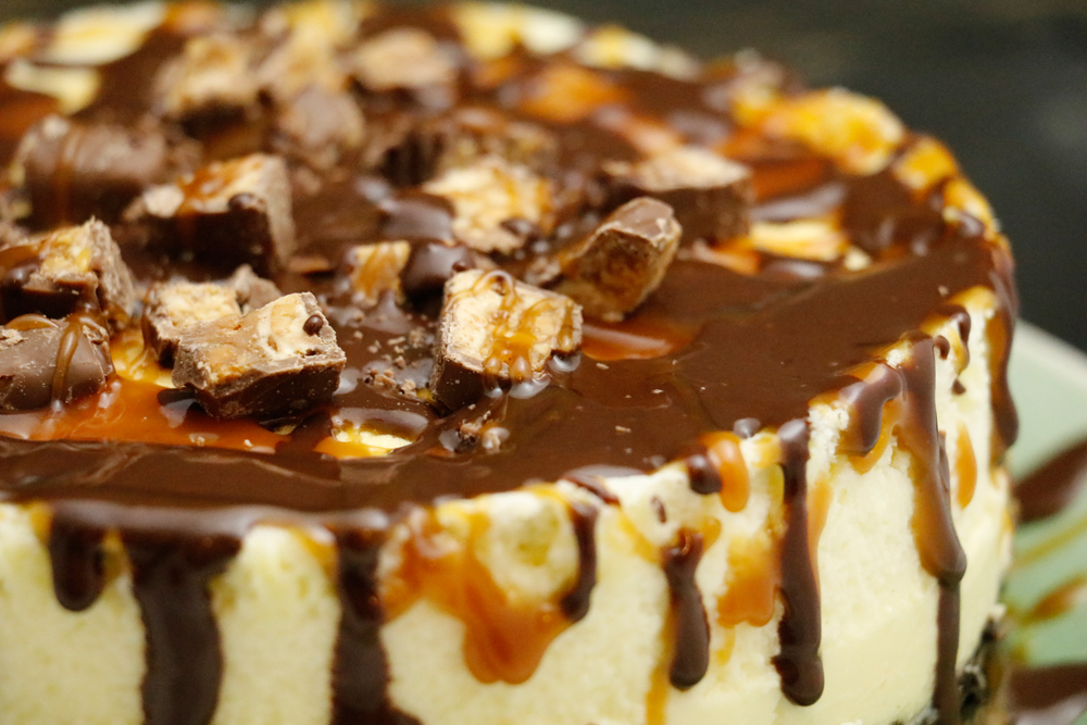 Snickers Caramel Chocolate_Cheesecake